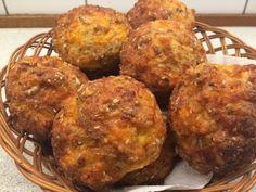 Der har længe floreret forskellige opskrifter på osteboller på diverse LCHF forums. Der er blevet afprøvet flere forskellige opskrifter rundt omkring i de forskellige hjem. Jeg bagte min første por...