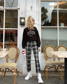 Outfits Otoño, Sporty Outfits, Retro Outfits, Simple Outfits, Trendy Outfits, Vintage Outfits, Winter Fashion Outfits, Fall Winter Outfits, Summer Outfits