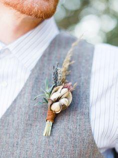 boutonniere (Floral Design: Clementine) - Southwestern Boho Inspiration by Loft Photographie - via Magnolia Rouge