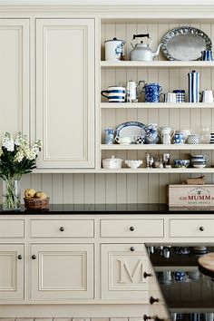 Beautiful #kitchen color off-white (Homes >> 19th century stone homestead) photo mark roper @Stefania@coolchicstyle