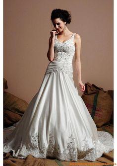 Robe de mariée couture avec traîne 2013 appliques bretelles robe de mariée satin