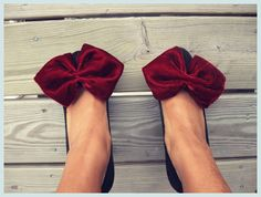 26 Iteresting DIY Ideas How To Make Bows - for shoes, hair clips, embellishments, headbands and whatever else i can think of!