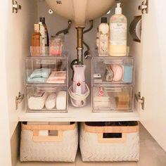 8 Super-Neat-and-Tidy Bathroom Organization Ideas : Badezimmer Ideen Under Bathroom Sinks, Dorm Bathroom, Bathroom Ideas, Bathroom Sink Decor, Bathroom Colors, Bling Bathroom, College Bathroom, Paris Bathroom, Brown Bathroom