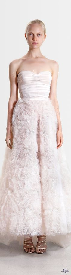 Reem Acra Resort 2017 Fashion Show Collection: See the complete Reem Acra Resort 2017 collection. Look 18 Fashion Week 2016, Fashion 2017, Couture Fashion, Runway Fashion, Fashion Beauty, Fashion Show, High Fashion, Fashion Dresses, Evening Dresses