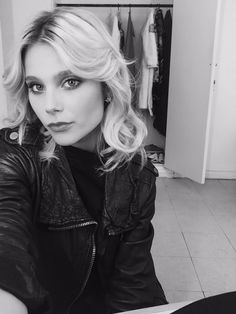 Valentina zenere Ambre Soy Luna, Ambre Smith, New Disney Channel Shows, Disney Stars, Marceline, Celebs, Celebrities, Queen, Woman Face