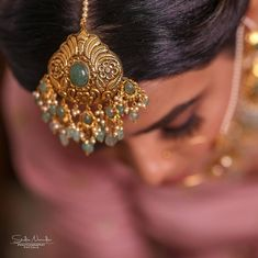 Gold Maang Tikka Design, Gold Jewellery Design, Bridal Necklace, Bridal Jewelry, Hair Jewelry, India Jewelry, Gold Jewelry, Jewelery, Tikka Designs