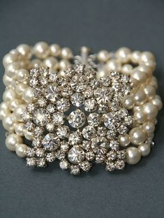 Whoo, such a beautiful old Hollywood bracelet!