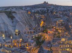 Capadócia Underground Caves, Cappadocia, Roman Empire, Paris Skyline, Mount Rushmore, City Photo, National Parks, Places To Visit, Landscape