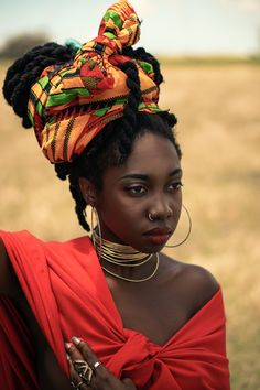 audreycanblog:  kingkesia:Blackout!!I know it's only spoz to be selfies, but me and my bf did these gorgeous Maasai inspired photos. I was way too excited with the result :DIG: kingkesiaphoto credits:jamieblak  Wow!!!!!!!