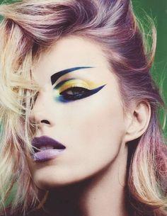 Eyeliner. Anja Rubik