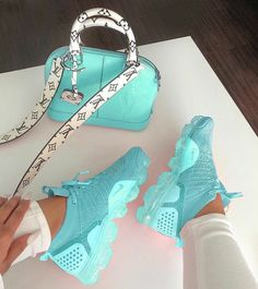 Nike Turnschuhe , Source by alishiasengel shoes 2018 Hype Shoes, Women's Shoes, Me Too Shoes, Shoe Boots, Fall Shoes, Crazy Shoes, Summer Shoes, Dance Shoes, Cute Sneakers