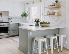 Great Absolutely Free american kitchen design Strategies Getting a good layout is far more vital than anything in the kitchen. Since the switch with task in your home,. Diy Kitchen Decor, Kitchen Themes, Kitchen Layout, Kitchen Styling, Interior Design Kitchen, Layout Design, Küchen Design, Countertop Concrete, American Kitchen Design