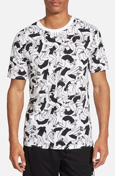 Free shipping and returns on Nike 'Artist' Short Sleeve Crewneck T-Shirt at Nordstrom.com. Get lost in the eye-popping contortionist print of this short-sleeve T-shirt cut from blended cotton.