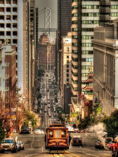 Cable car on California street (USA) by shapeshift   Website
