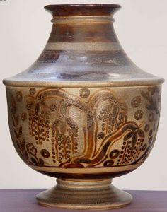 Primavera stoneware ceramic vase, French art deco design studio for the Paris department store Printemps, created at the Primavera