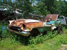 1955 Oldsmobile Convertible Danny Zuko, John Travolta, Cool Car Pictures, Car Pics, Abandoned Cars, Abandoned Vehicles, Junkyard Cars, Used Car Lots, Permanent Vacation