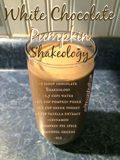 Try this absolutely delicious fall inspired White Chocolate Pumpkin Shakeology recipe! Both my son and I devoured ours! Definitely going to be a repeat shake! Get a new Shakeology recipe every Thursday by adding me on fb/angelinerstetzko! Shakeology Chocolat, Chocolate Shakeology, Protein Shake Recipes, Protein Shakes, Smoothie Recipes, Drink Recipes, Shakeology Shakes, Beachbody Shakeology, Healthy Smoothies