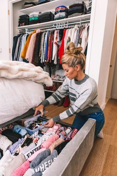 Organizing My NYC Apartment - Welcome to Olivia Rink Organizing My NYC Apartment. Organizing My NYC Apartment – Welcome to Olivia Rink Organizing My NYC Apartment – Welcome to O Closet Bedroom, Bedroom Apartment, Room Decor Bedroom, Small Apartment Closet, Apartment Ideas, Studio Apartment Furniture, Soho Apartment, Brooklyn Apartment, Apartment Layout