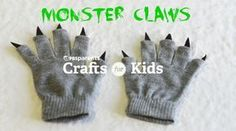 Make these easy, no-sew monster claws in just two steps! Great for pretend play beyond Halloween Halloween Crafts For Kids, Easy Crafts For Kids, Diy For Kids, Homemade Halloween, Fall Crafts, Diy Crafts, Baby Costumes, Funny Halloween Costumes, Claw Gloves