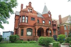 Schuster Mansion Bed & Breakfast (3209 West Wells Street) This historically-registered 1892 Mansion is located in Milwaukee, just 2.1 km away from Marquette University. Schuster Mansion Bed & Breakfast offers air-conditioned rooms and free private parking.  Rooms include a flat-screen TV. #bestworldhotels #travel #us #milwaukee