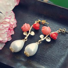 E49 White Pearl & Coral Rose earring