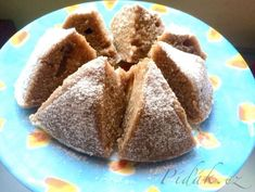 POTŘEBNÉ PŘÍSADY  1 vejce půl lžičky prášku do pečiva 3 lžíce mléka 3 lžíce oleje 3 lžíce cukru 2 lžíce kakaa  4 lžíce polohrubé mouky půl lžičky skořice - nemusí být   POSTUP PŘÍPRAVY  Všechny ingredience smícháme v misce. Kefir, Pudding, Yummy Food, Bread, Food Ideas, Delicious Food, Custard Pudding, Brot, Puddings