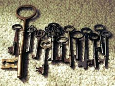 love these old keys <3