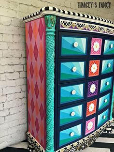 I love to add patterns to my painted furniture. I love the extra color . I love the added dimension. I love draw the eye to special details in each piece. Paint Furniture, Furniture Makeover, Furniture Ideas, Funky Furniture, Black Feature Wall, Antique Dining Chairs, Plain Cushions, Fall Containers, Mother Daughter Projects