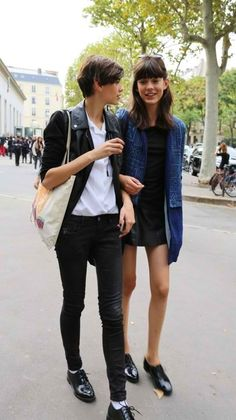 #AmraCerkezovic & #EwaWladymiruk looking well cool #offduty in Paris.