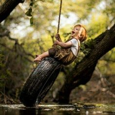 """""""Que dentre as coisas que a vida possa te oferecer, que ela possa lhe dar o melhor sorriso, a canção mais linda, o amor mais verdadeiro. E que nunca lha falte os sonhos e a vontade maior de realizâ-los, pois são esses sonhos que nos faz caminhar que da a nossa vida um sentido, uma direção. Não se deixe acorrentar a nada...deixe a vida te levar"""" Hilario Josepe"""