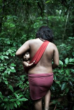 Hunted like animals (even burned alive), threatened on all sides, the Awa-Guaja are Brazil's last nomadic tribe. Out of 350, 100 have no contact with the outside world.. -© Domenico Pugliese, UK