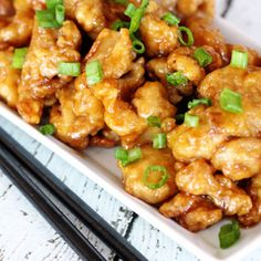 This Orange Chicken recipe tastes just like the popular Panda Express dish, but made with simple ingredients right at home! Tender chicken in tangy sauce beats restaurant take-out any day! via This Orange Chicken recipe tastes just Orange Chicken Copycat Recipe, Orange Chicken Sauce, Chinese Orange Chicken, Easy Orange Chicken, Sauce For Chicken, Chinese Food, Chinese Menu, Easy Chicken Recipes, Asian Recipes