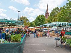 Regionale Köstlichkeiten am Wochenmarkt (c) AK Tourismus Frankfurt Rhein-Main  Urlaub mit Hund in Deutschland - Frankfurt am Main   #urlaubmithund #urlaubmitkatze #haustiere #hunde #dogs #ferienmithund #hotelsmithund