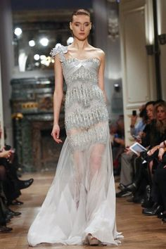 Structure Meets Elegant Haute Couture     The Chic   Fashion Forecast Site