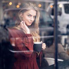 Window shopping. @marooshk @trungywin  #rektmag #windowshopping #rouge #blonde #reflections #thoughtful