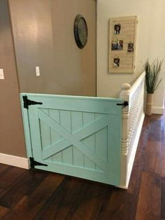 Barn door gate for stairs! 12 Barn Door Projects that Will Make You Want to Remodel for entry stairway, basement stairway and top of loft stairs Baby Barn, Vibeke Design, Baby Gates, Child Gates, Wood Baby Gate, Barn Door Baby Gate, Diy Baby Gate, Baby Door, Up House