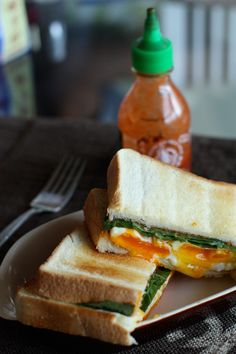 Fried Egg Sandwich with Sriracha // yummy way to kickstart your morning or any meal, use your favorite bread, veggies, etc. to make it clean/healthy #comfort #fastfood