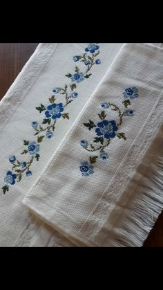 Embroidery On Kurtis, Hand Embroidery Dress, Crewel Embroidery, Embroidery Patterns, Cross Stitch Borders, Cross Stitch Flowers, Cross Stitch Designs, Cross Stitching, Embroidered Towels