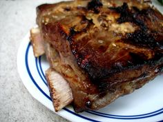 Asian Marinated Crockpot Beef Spare Ribs: surprisingly have all of the ingredients on hand excepts the ribs, and sesame seeds. Gotta try this recipes this week!