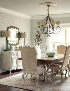 Love this dining room - House of Turquoise: Endia Veerman Designer Dining Room Table Decor, Dining Room Design, Dining Room Furniture, Dining Chairs, Dining Area, Furniture Design, Furniture Nyc, Cheap Furniture, Room Chairs