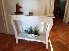Mesa de arrime decorada creada por Silvia Aguilar y Salvador Aznar.