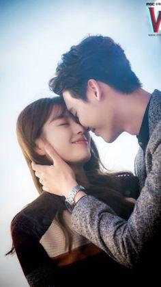 W the two worlds Han Hyo Joo and Lee Jong Suk Han Hyo Joo Lee Jong Suk, Lee Jung Suk, Lee Seung Gi, W Korean Drama, Korean Drama Movies, Korean Actors, W Kdrama, Kdrama Actors, W Two Worlds Wallpaper