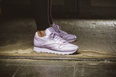 reebok-x-face-stockholm-classic-leather-spirit-lilac-v69379-mood-1.jpg (1801×1200)