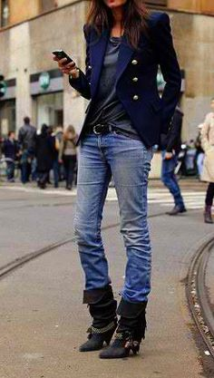 One of my style icons: Emmanuelle Alt, Vogue Paris. Emmanuelle Alt Style, Fashion Mode, Denim Fashion, Look Fashion, Parisienne Chic, Street Style, Street Chic, Looks Style, Style Me