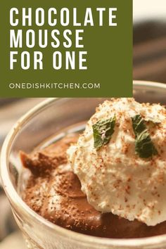 This incredibly rich Chocolate Mousse is a chocolate lovers' dream! This elegant single serving dessert is made with only a few simple ingredients and is so easy to make. Chocolate Mousse Recipe, Chocolate Cream, Chocolate Flavors, Single Serve Desserts, Single Serving Recipes, Slushie Recipe, Summer Dessert Recipes, Elegant Desserts, Dessert Dishes