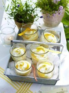 Das Rezept für Gestrudeltes Aprikosen-Limetten-Mascarpone-Eis und weitere kostenlose Rezepte auf LECKER-laktosefrei.de