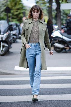 Wir haben zehn Streetstyles zusammengestellt, die wir uns für den Winter von den stilsicheren Französinnen abgucken sollten.