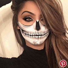 13 Easy Halloween Makeup Ideas that Don't Need Skill Loading. 13 Easy Halloween Makeup Ideas that Don't Need Skill Halloween Eyes, Halloween Makeup Looks, Halloween Skeletons, Easy Halloween, Halloween Party, Halloween Costumes Women Scary, Halloween Stuff, Pretty Halloween, Halloween 2018