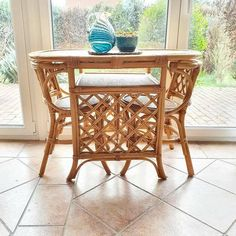 Vintage French Rattan nesting table and chairs set, breakfast table, rattan furniture, rattan dinett Rattan Furniture, Table Furniture, Dinette Sets, Table And Chair Sets, Nesting Tables, Breakfast Nook, French Vintage, Wicker, Bamboo