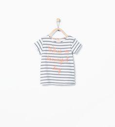 ZARA - CRIANÇAS - T-shirt algodão orgânico riscas e texto-4.95